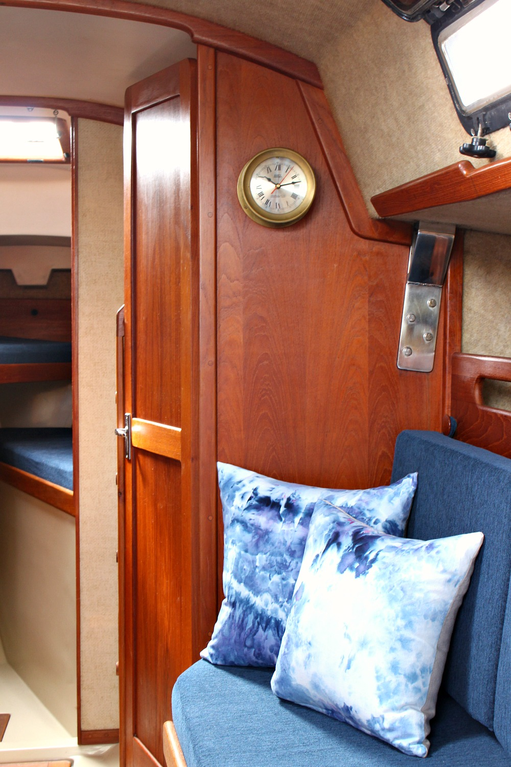 Ahoy Tour Our Updated Ticon 30 Sailboat Interior Dans