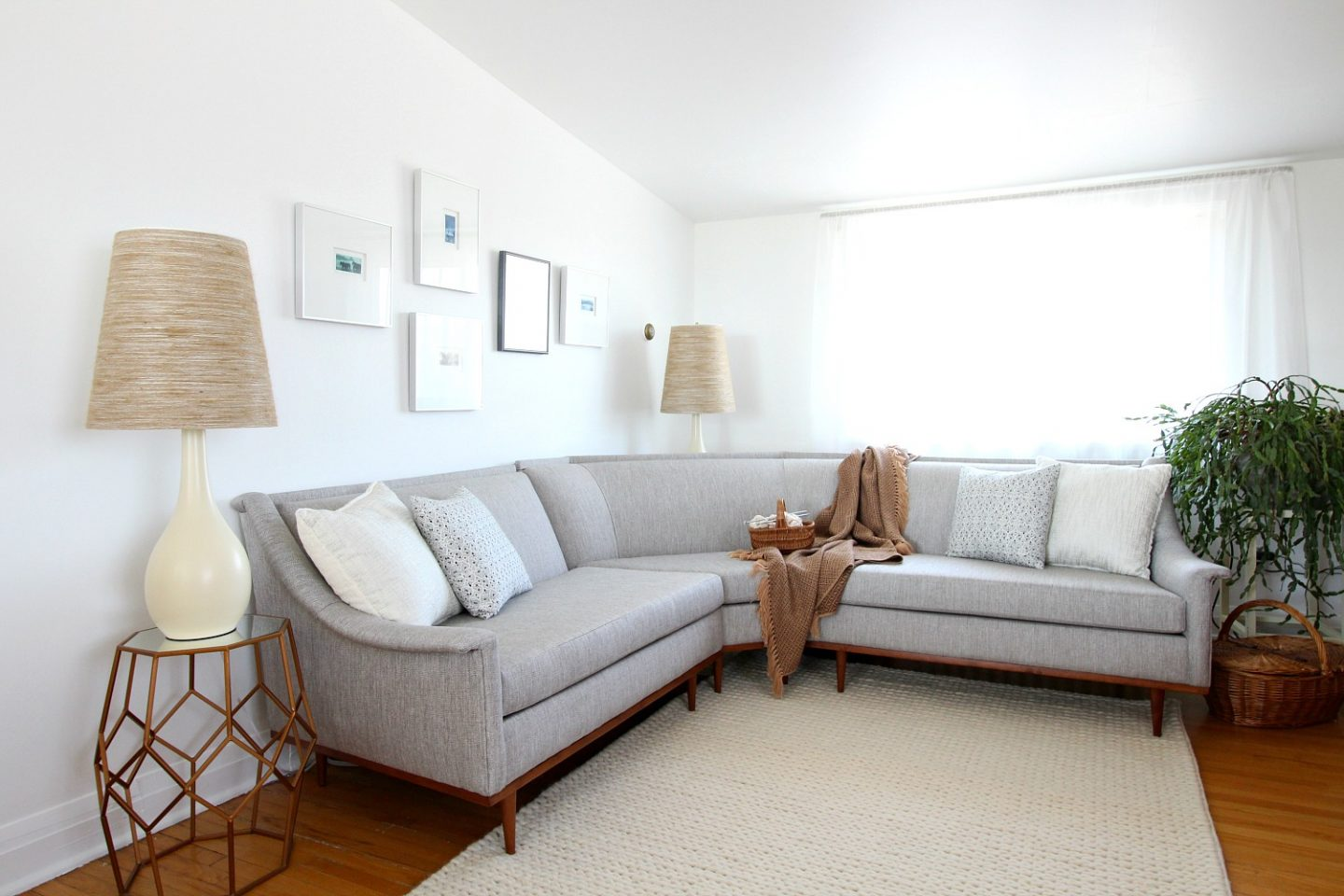 reputable site a0e8a 8db9d Mid-Century Modern Sectional Sofa Makeover | Before and ...