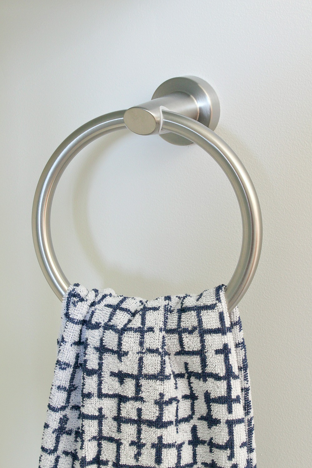 Brushed Silver Towel Ring