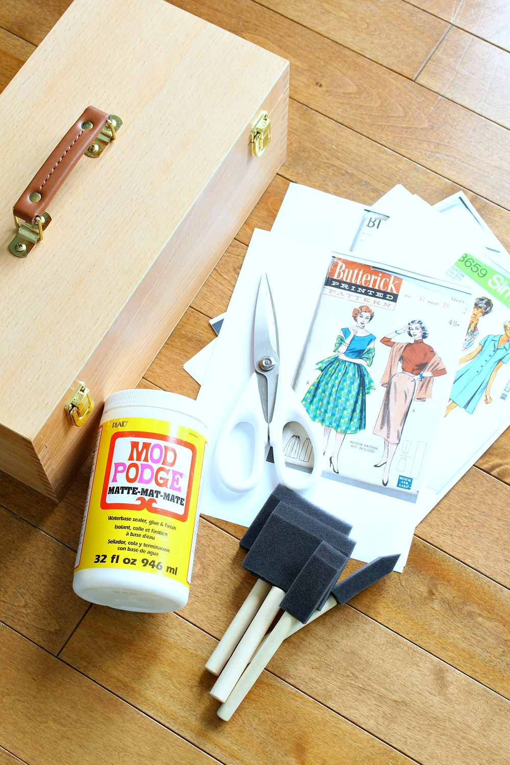 DIY Sewing Box Decoupage