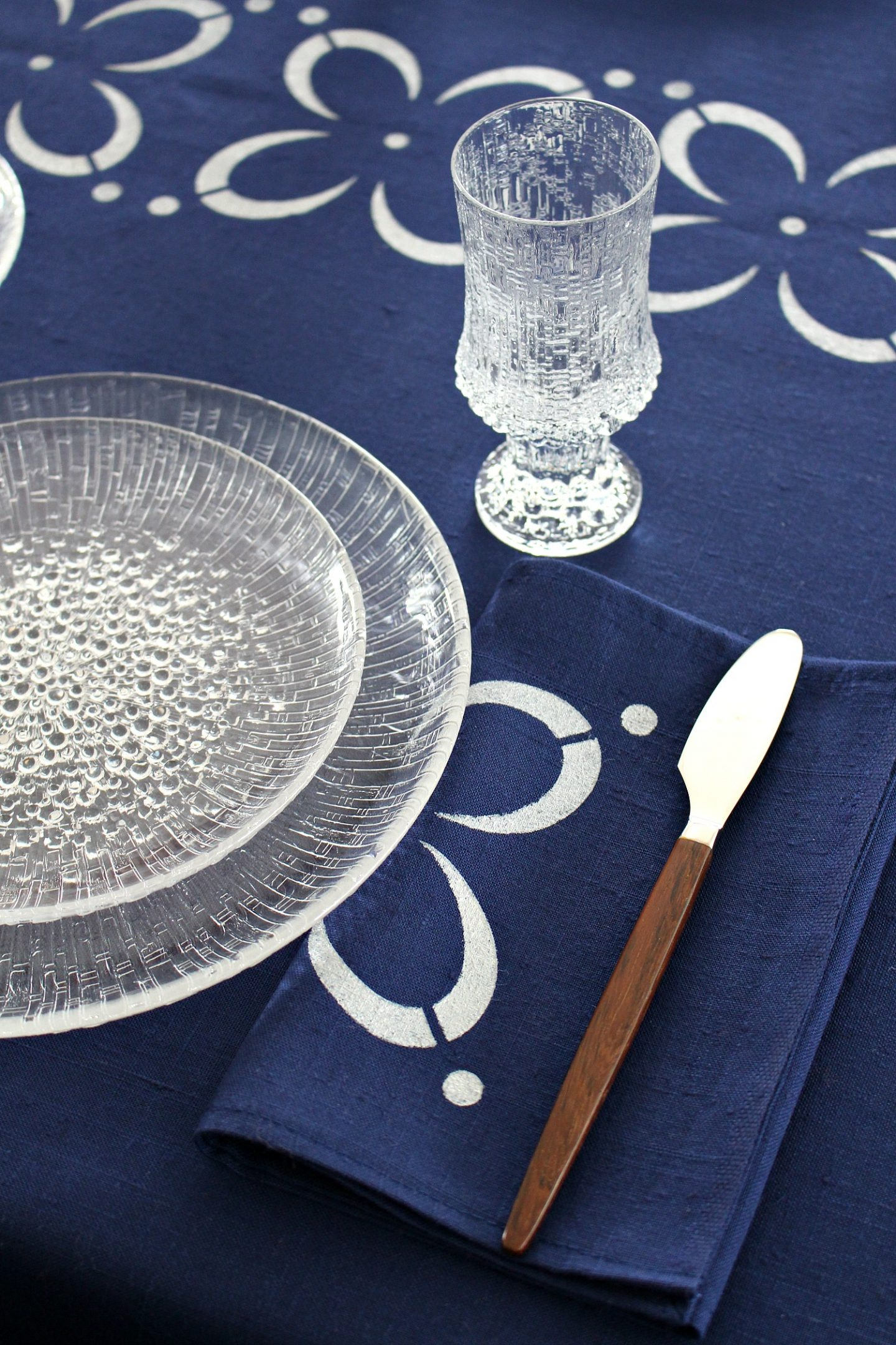 Scandinavian Tablescape Decor