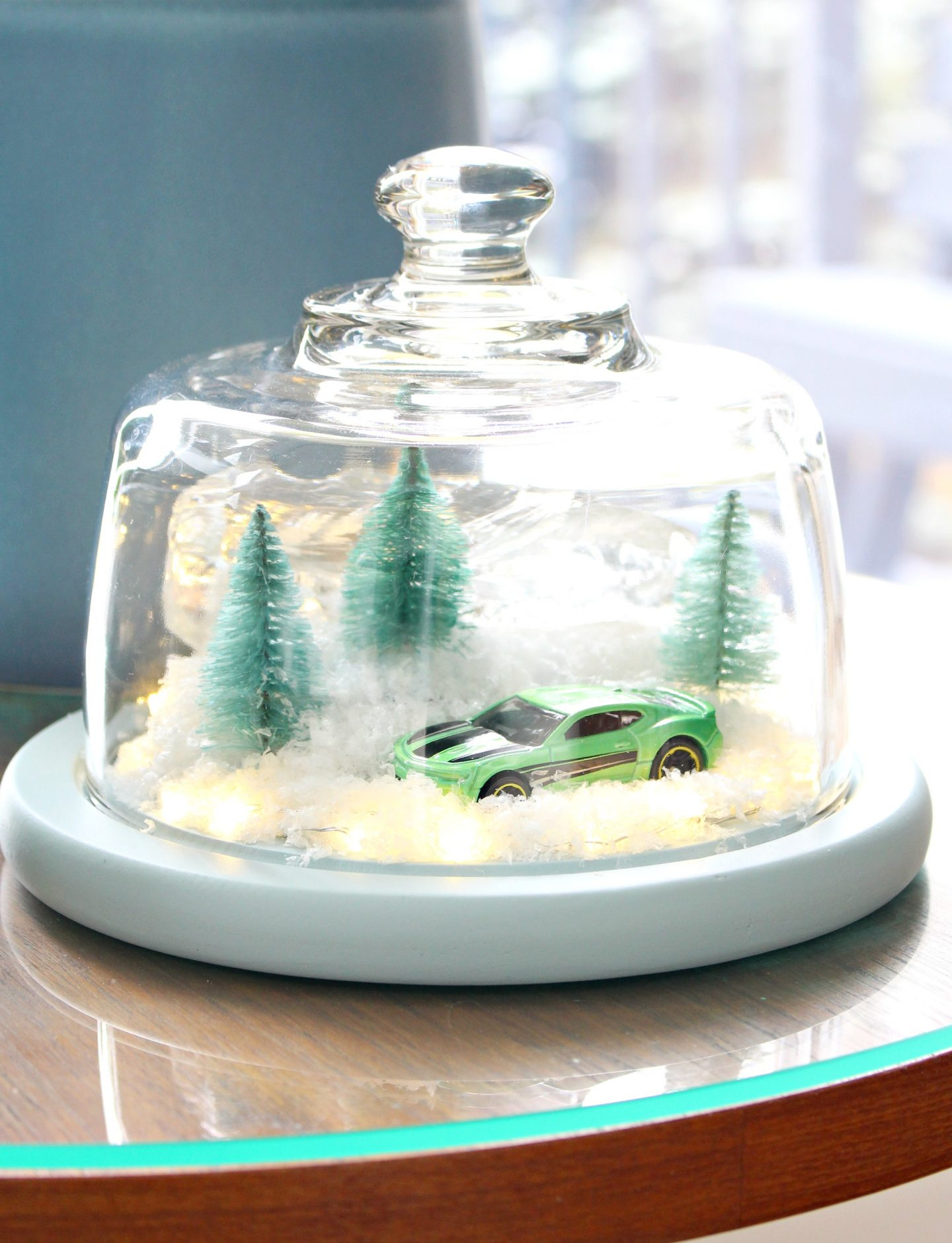 DIY Winter Diorama | aka The Camaro Cloche. Make this easy winter decor using a thrifted cheese cloche. #diy #holidaydecor