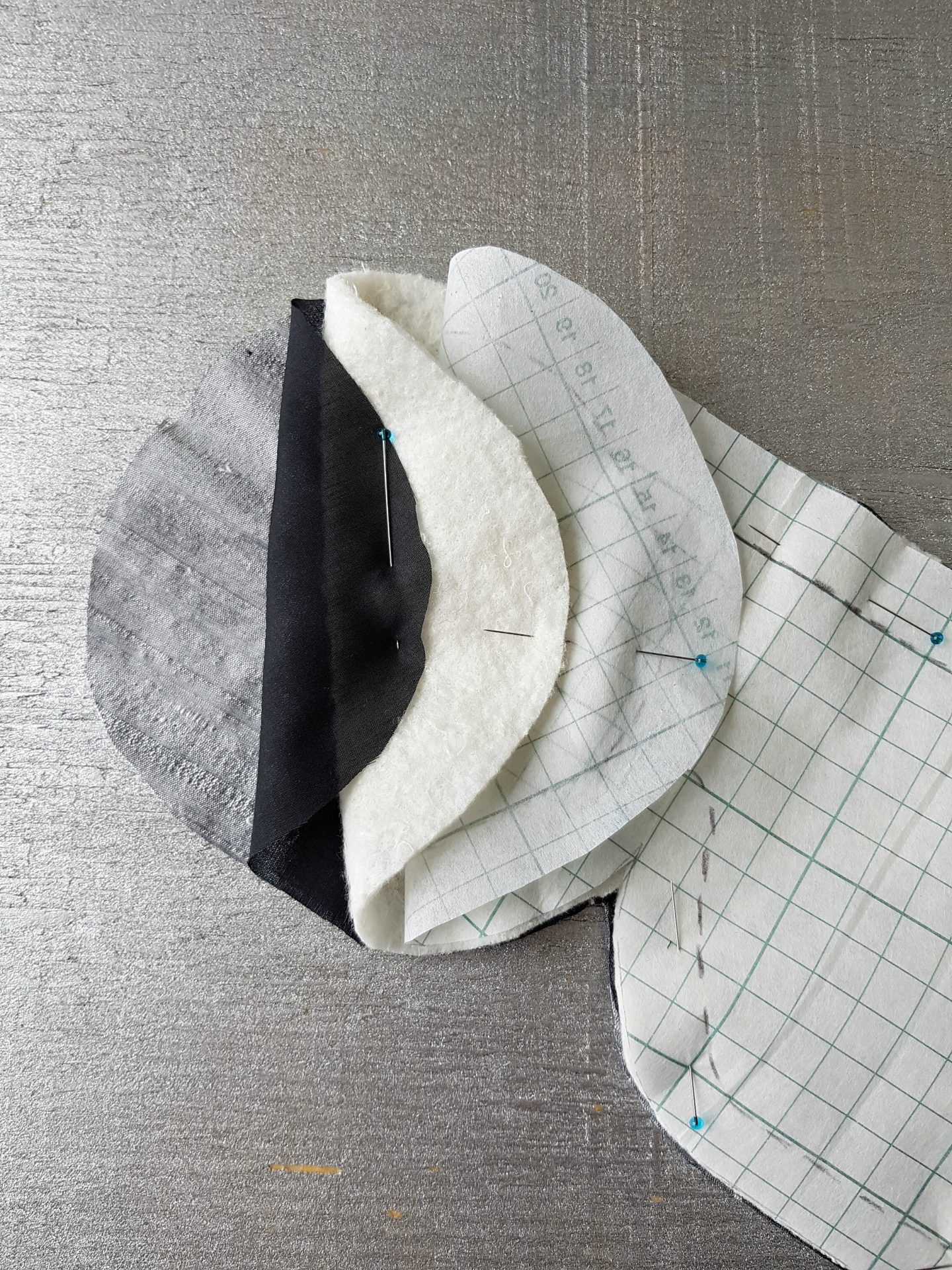 Learn How to Sew an Easy DIY Sleep Mask with Silk Fabric That's Gentle on Skin #sewing #sleepmask #sleep