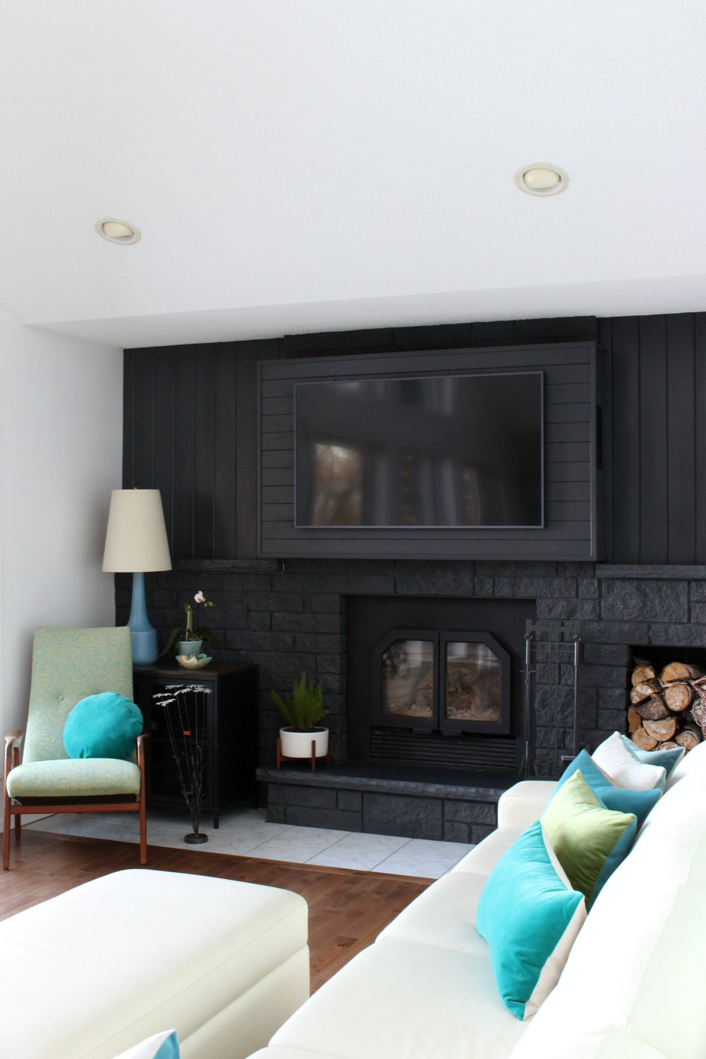 How to build a fireplace bump out to hang a tv dans le - How to put out a fireplace ...