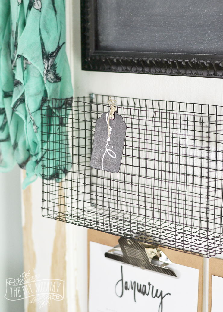 DIY Wire MEsh Basket | 15 Stylish DIY Projects for Organizing Your Home #organizing #diy #diyhome #clutterbustingtips