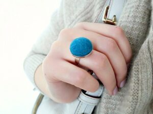 DIY FELTED WOOL BALL RING