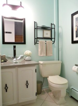 BUDGET-FRIENDLY POWDER ROOM MAKEOVER