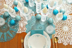 DYED DOILY HOLIDAY TABLE RUNNER