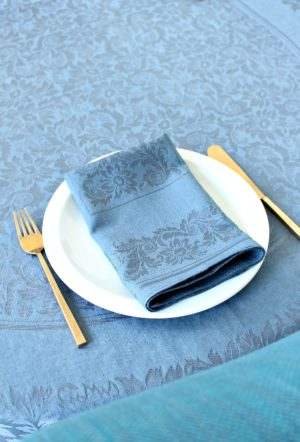HOW TO DYE TABLE LINENS
