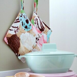 DIY PLAY KITCHEN POT HOLDERS