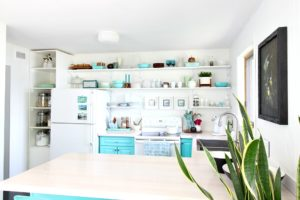 HONEST THOUGHTS ON KITCHEN OPEN SHELVING