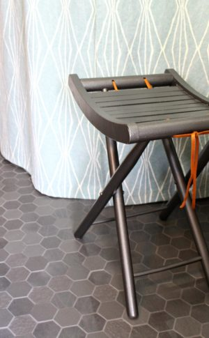 RETRO FOLDING STOOL MAKEOVER