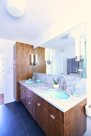 MID-CENTURY MODERN INSPIRED BATHROOM RENOVATION