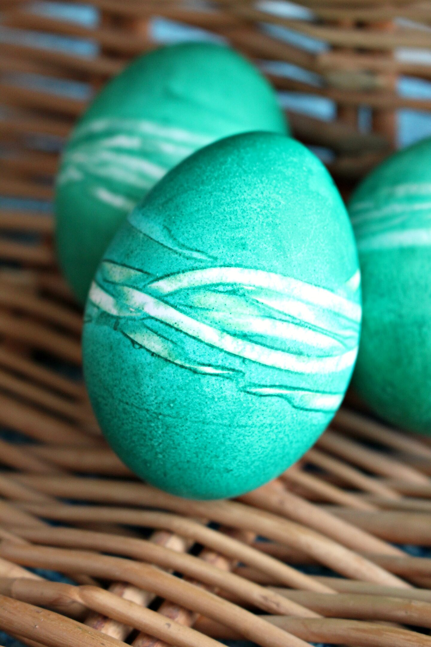 Rubber Band Easter Eggs   Last Minute Easter Egg Dyeing Idea