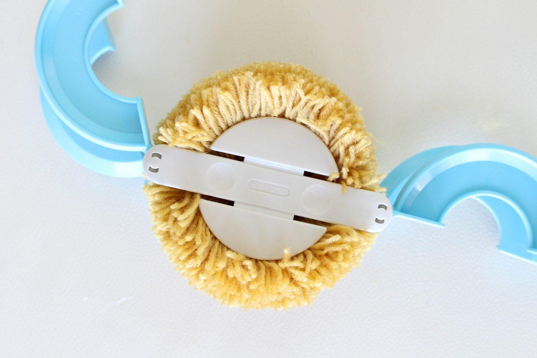Clover CNC-008 Large Pom Maker