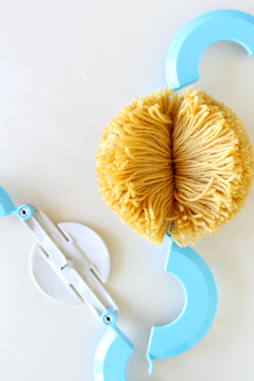 The Best Pom Pom Maker