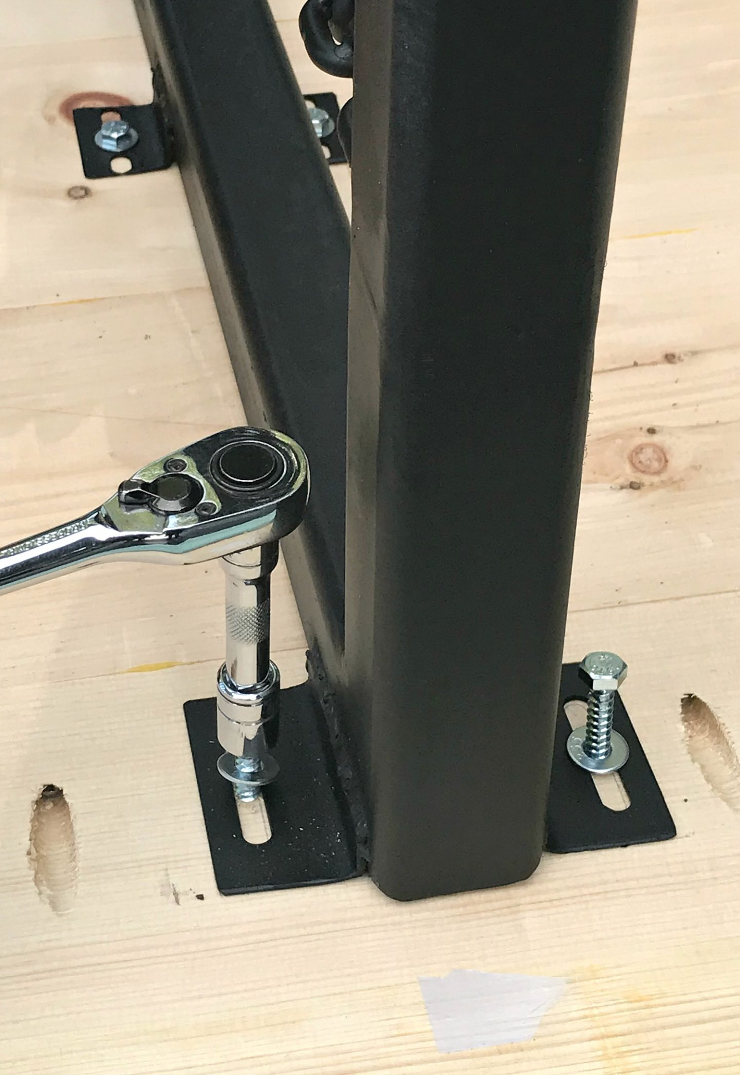 Use Lag Bolts to Attach Heavy Table Top to Heavy Welded Legs