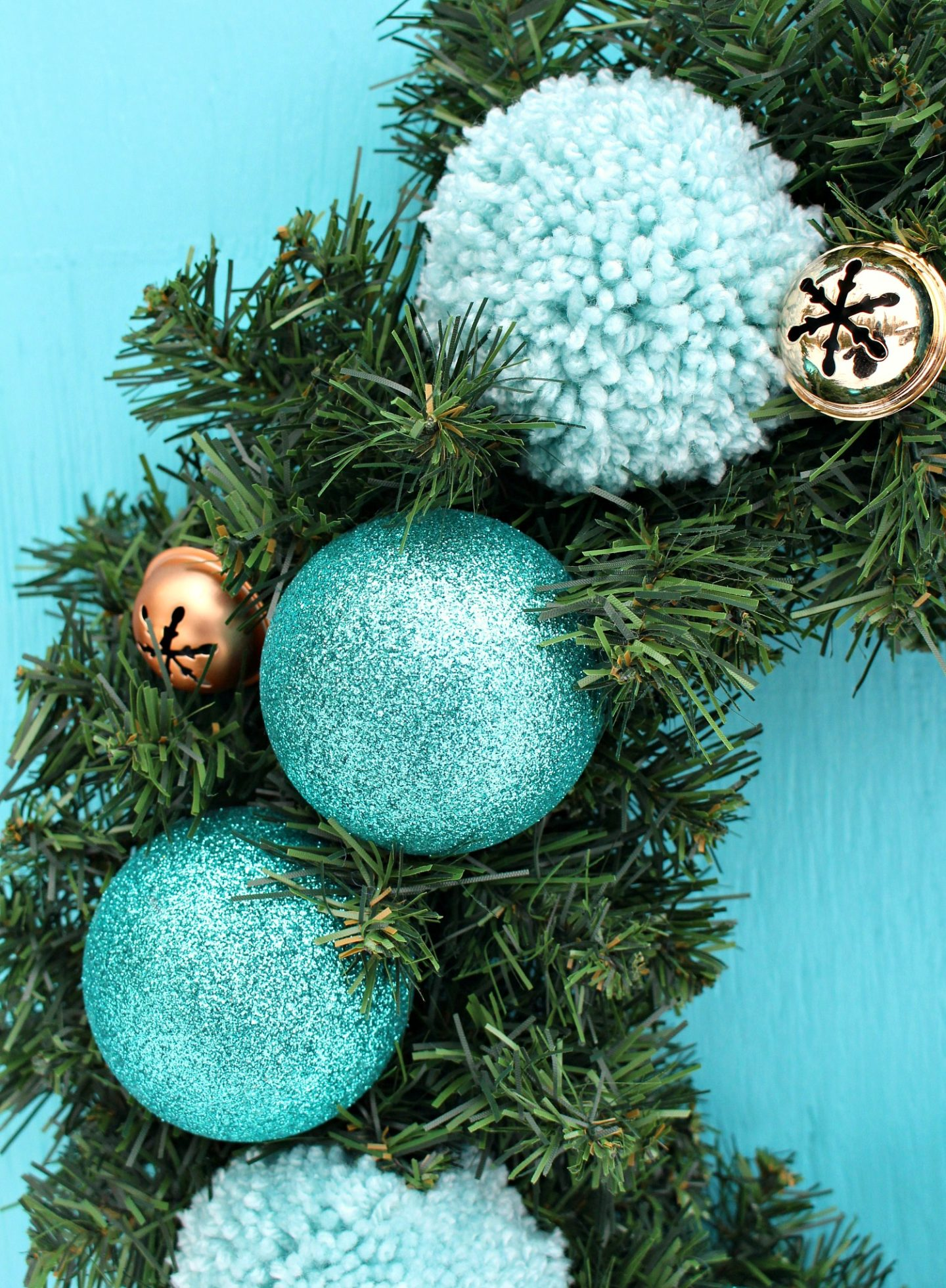 Turquoise Wreath DIY Idea