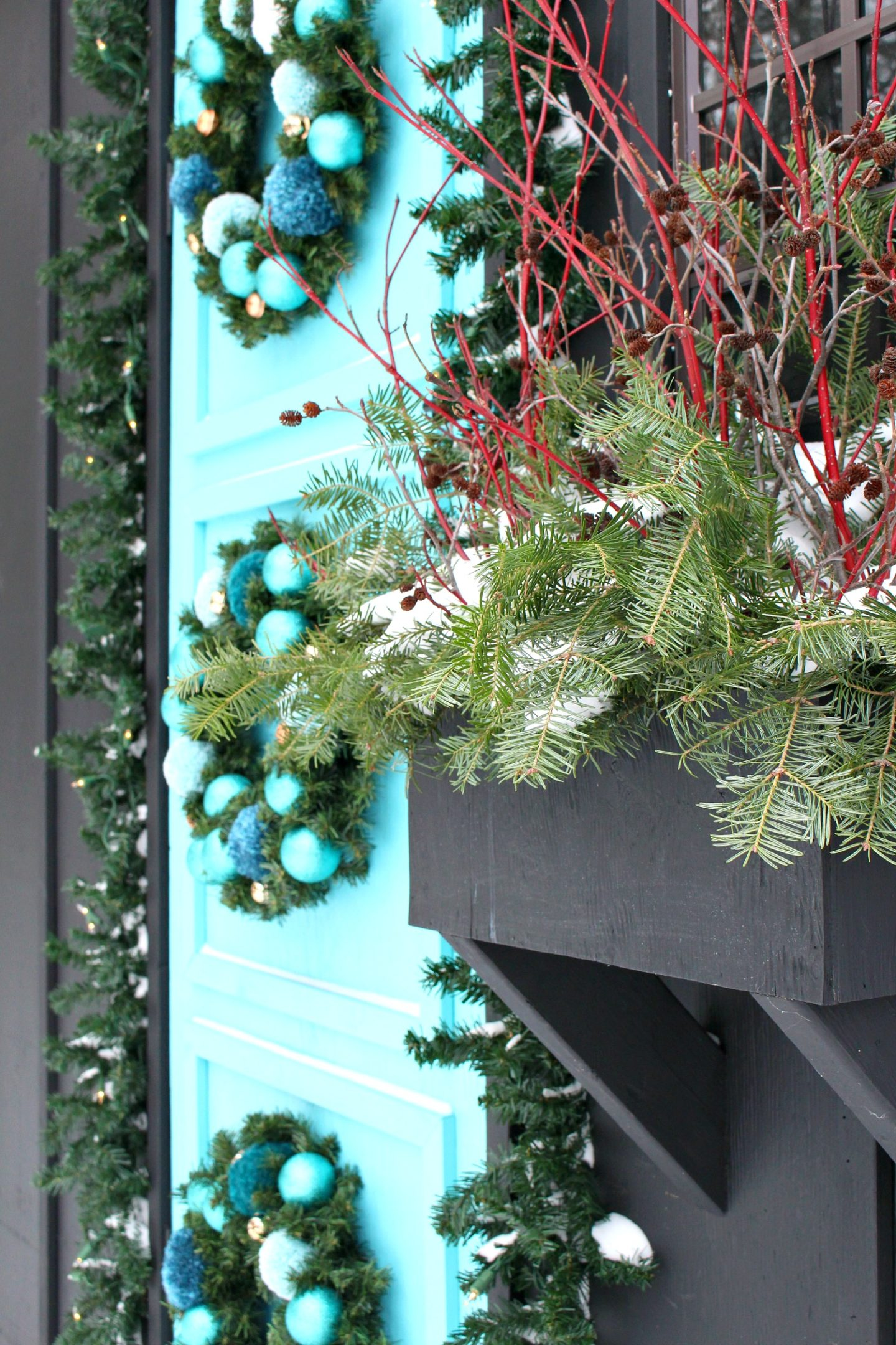 Outdoor Window Box Ideas for Winter