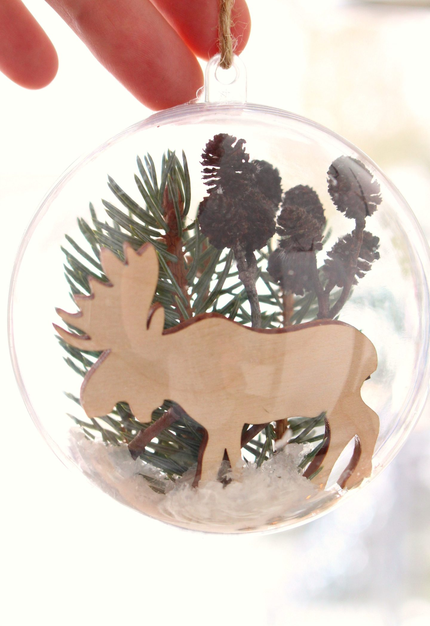 Winter Diorama Ornament DIY