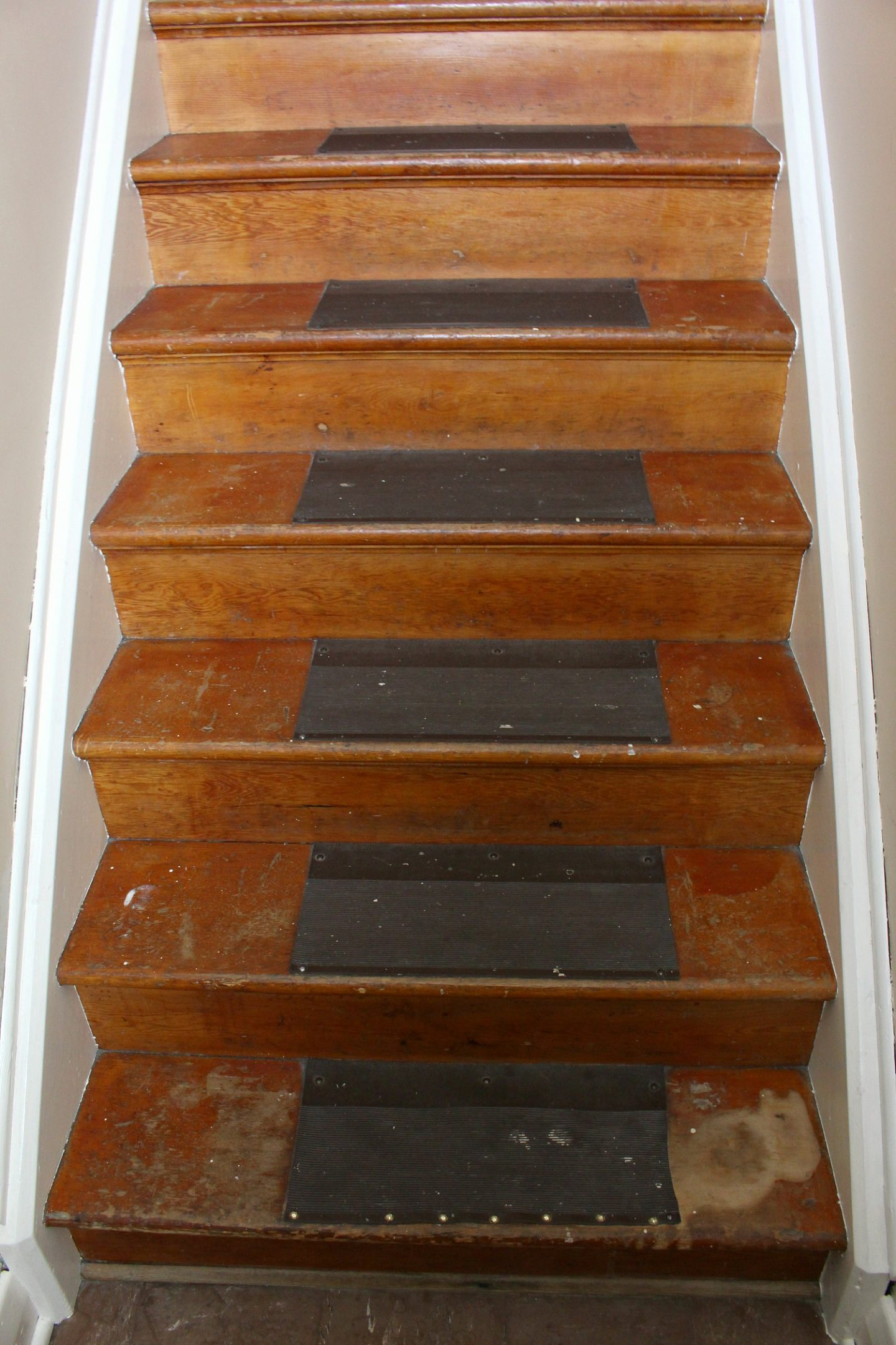 Wood Staircase Makeover