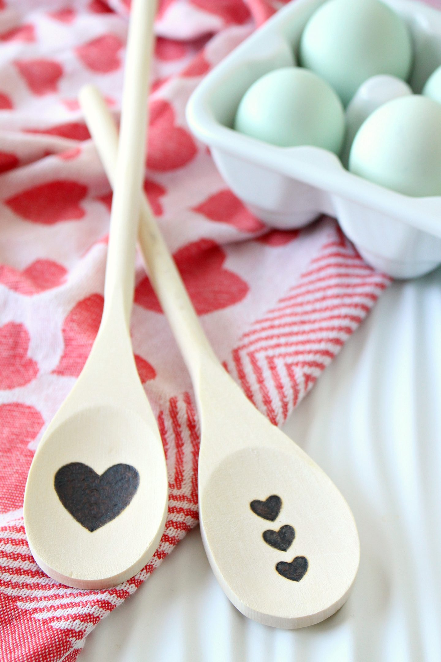 DIY Wood Burned Spoon | Easy DIY Valentine's Day Gift Idea