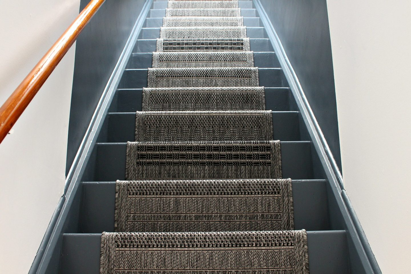 inexpensive stairway makeover