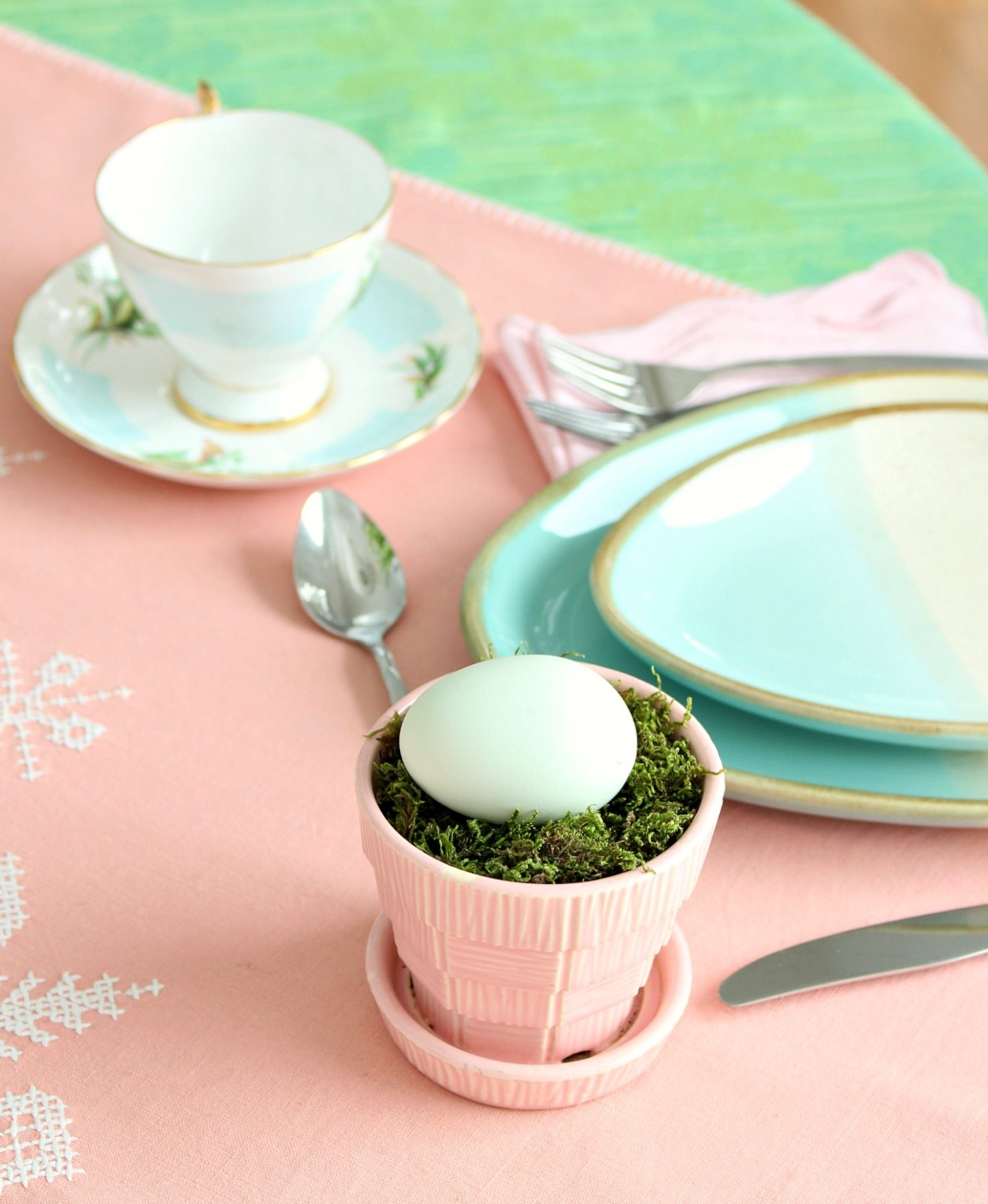 green and pink and aqua tablescape