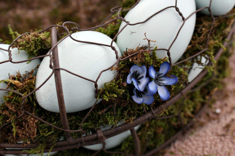 Easy Egg Wreath DIY