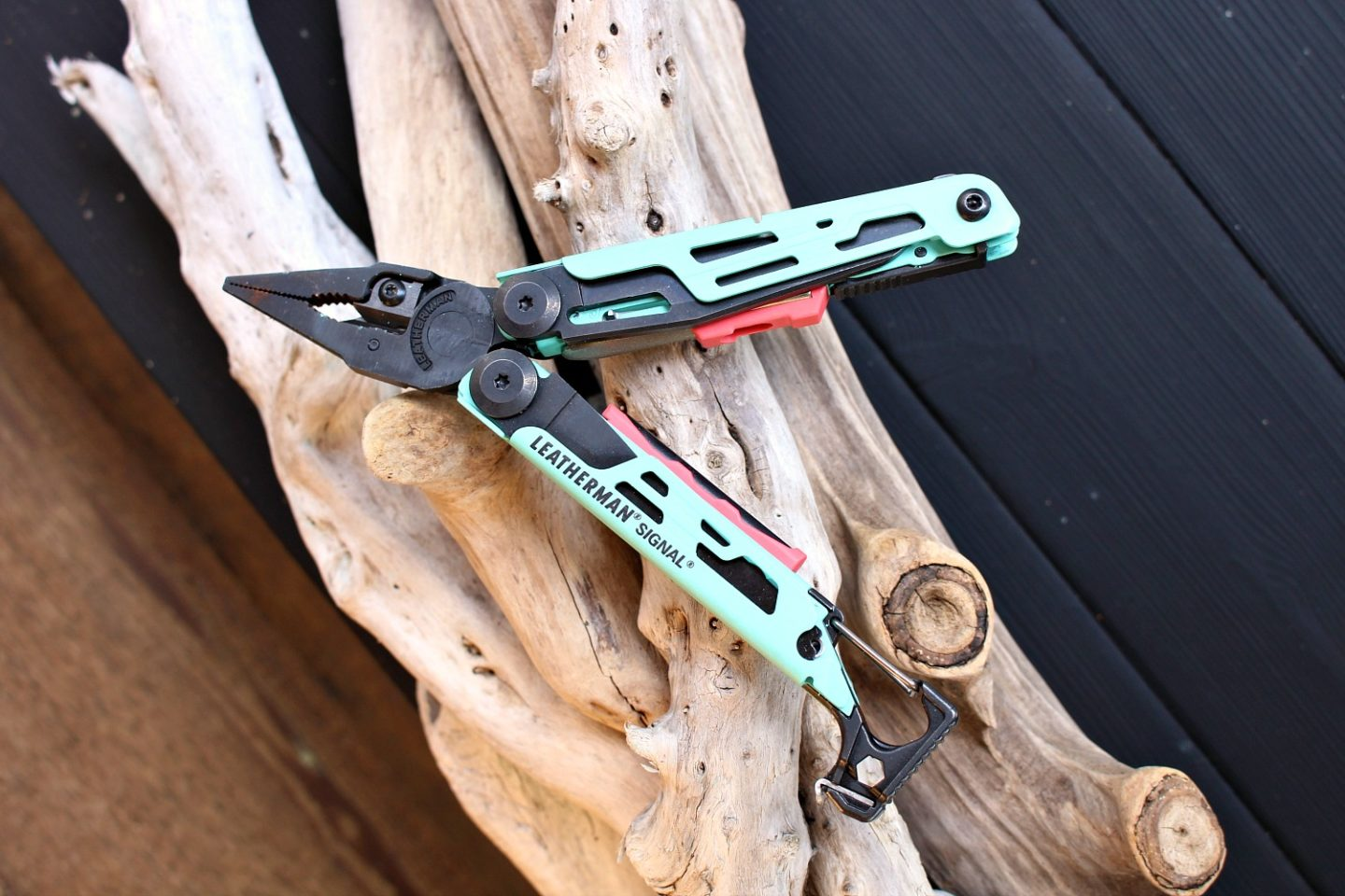Multi-Tool with Pliers