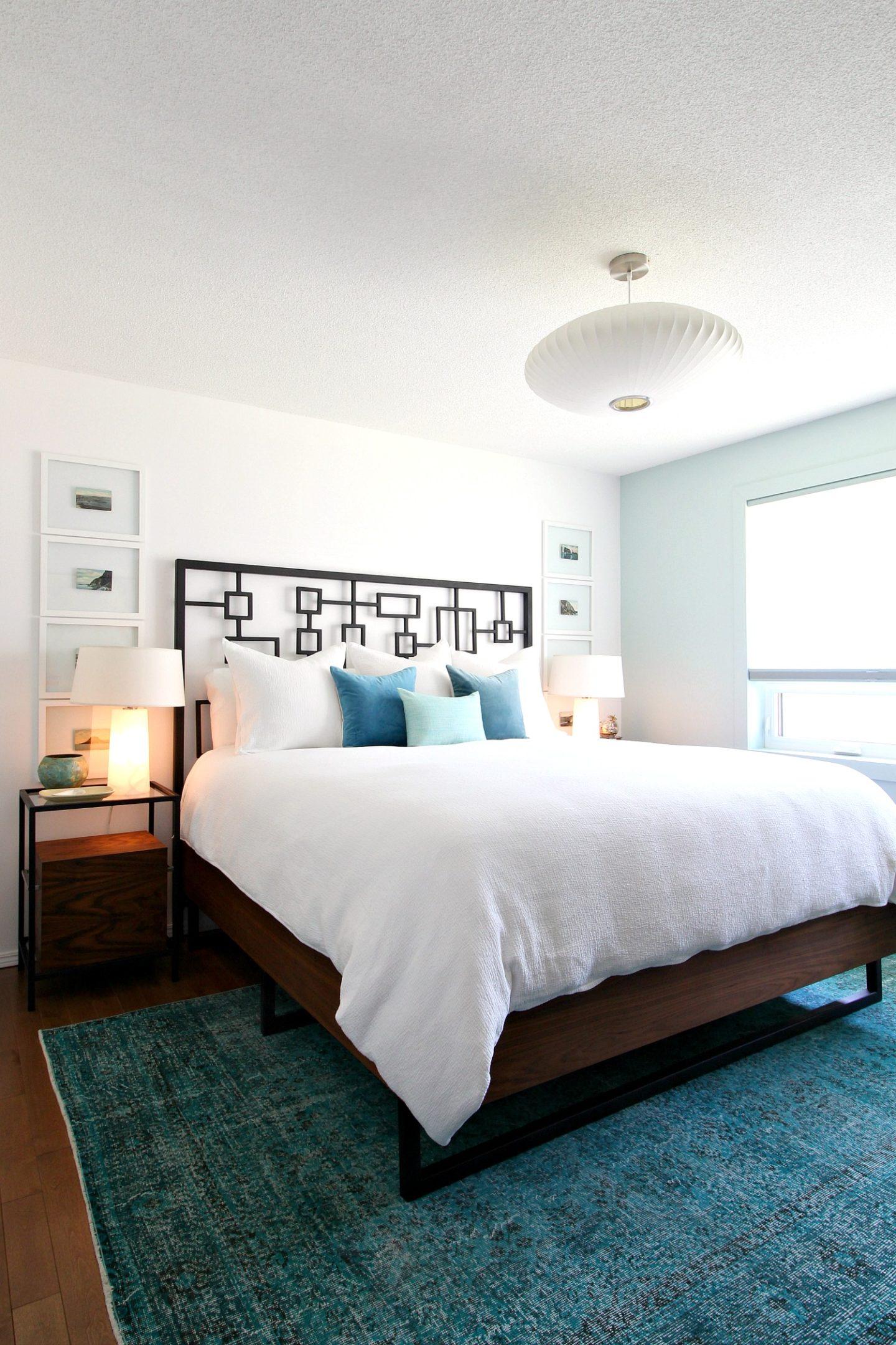 Lakehouse Bedroom with Vintage Rug