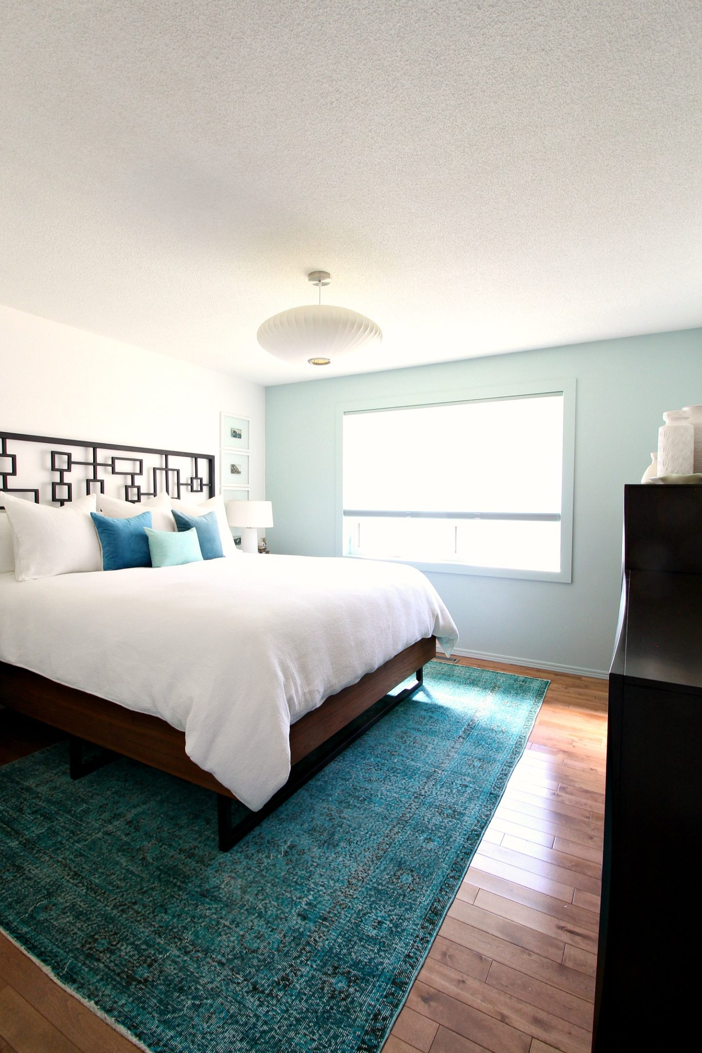 Small Bedroom Rug Size Guide