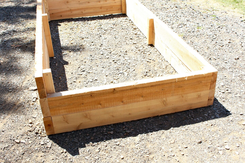 Garden Bed DIY Tutorial