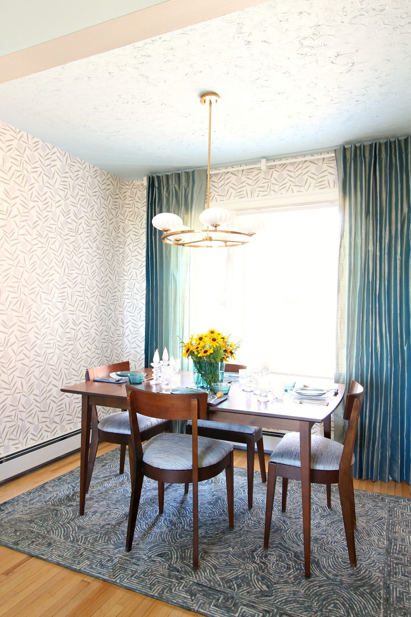 Blue and Green Dining Room Decor
