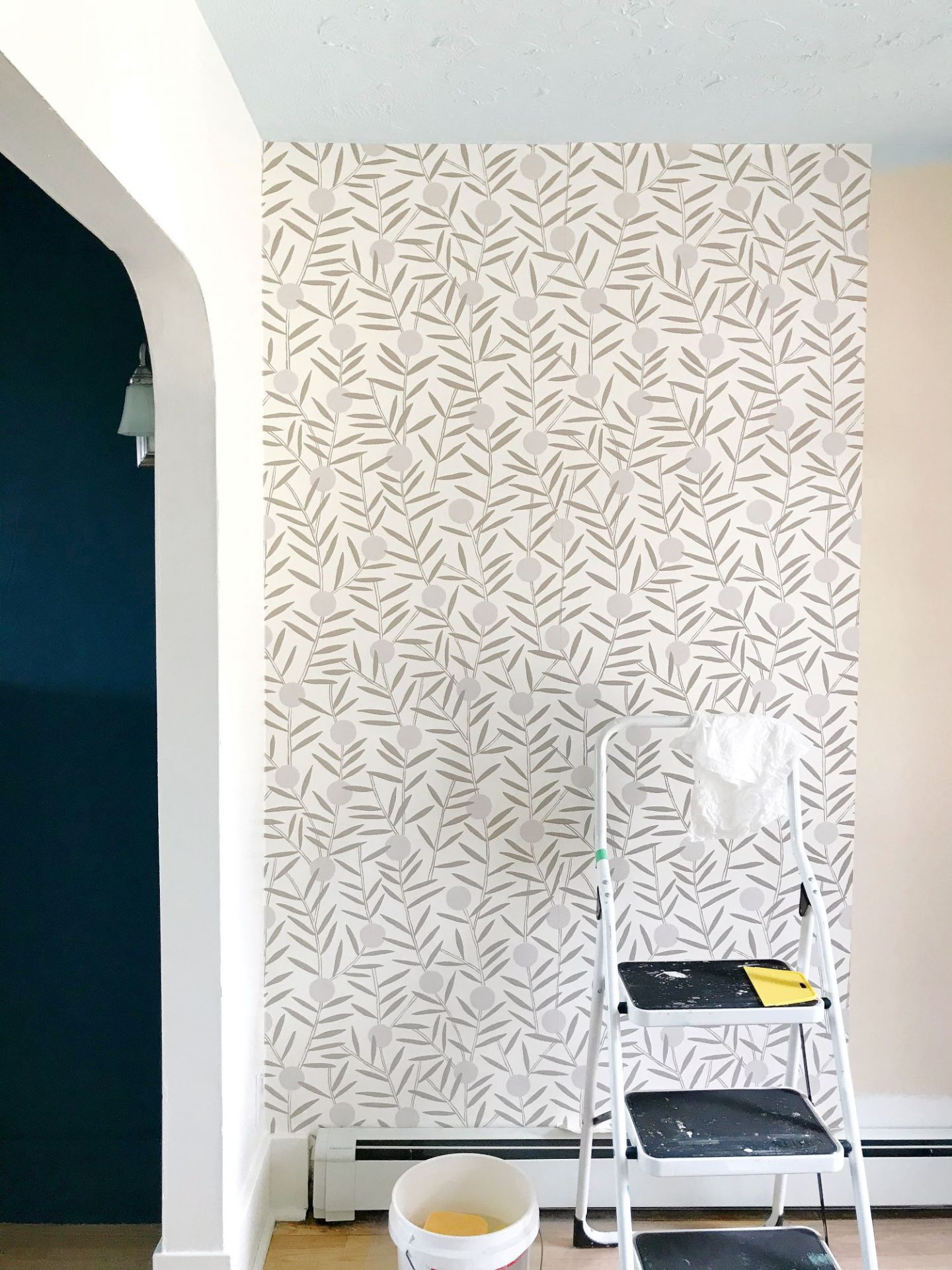 Non-Pasted Wallpaper Installation DIY
