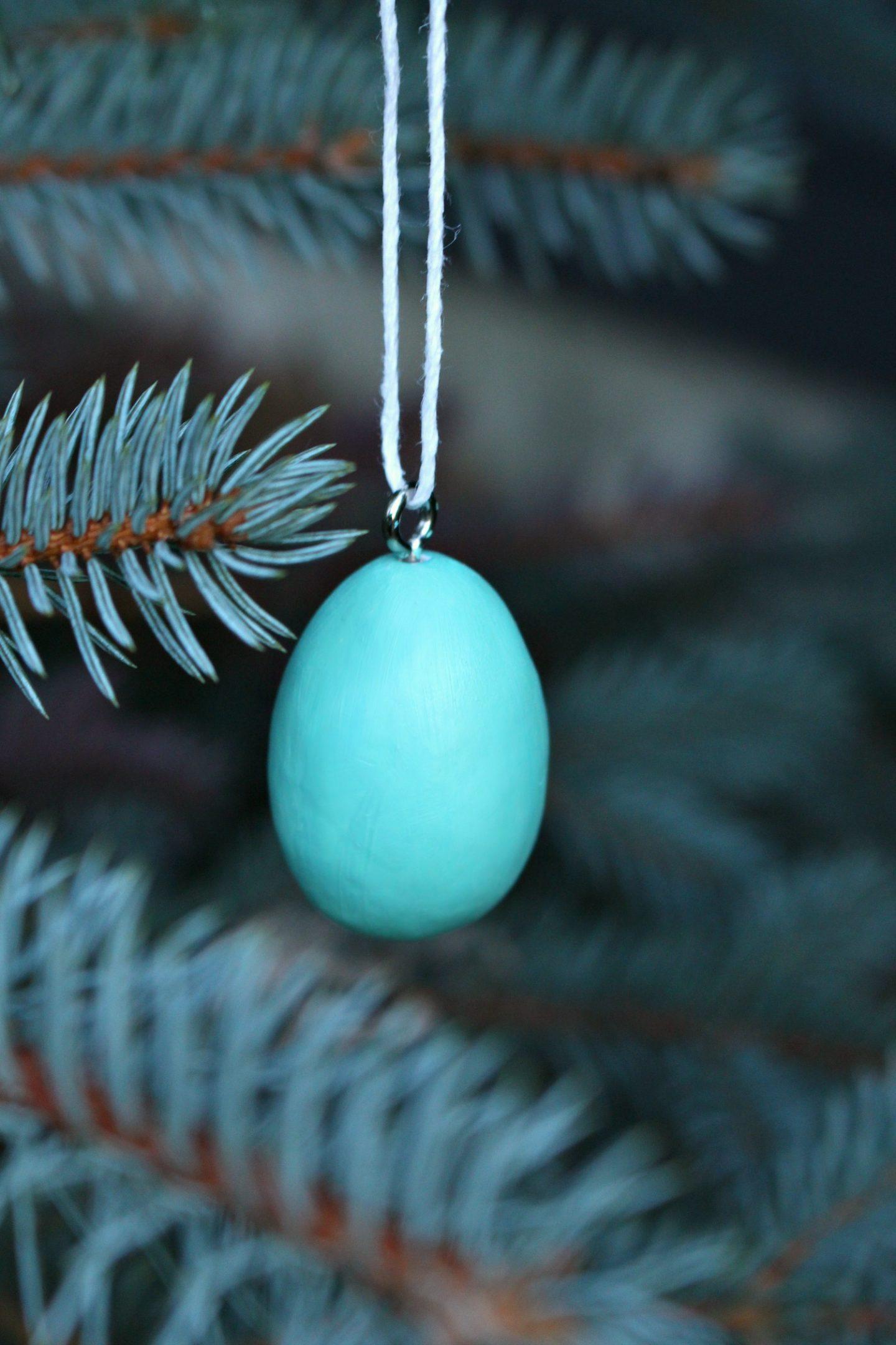 DIY Egg Shaped Ornament