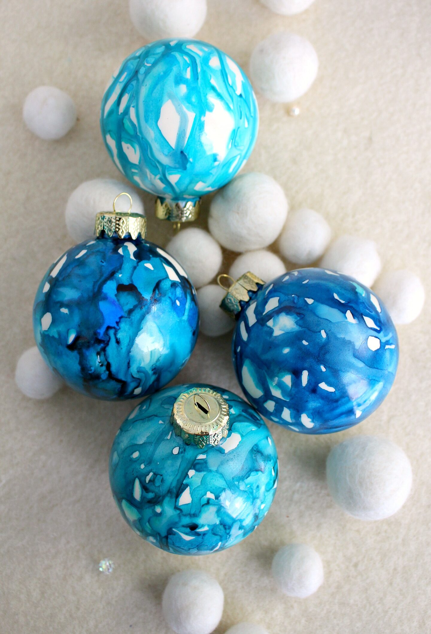 DIY Marbled Christmas Ornament Tutorial