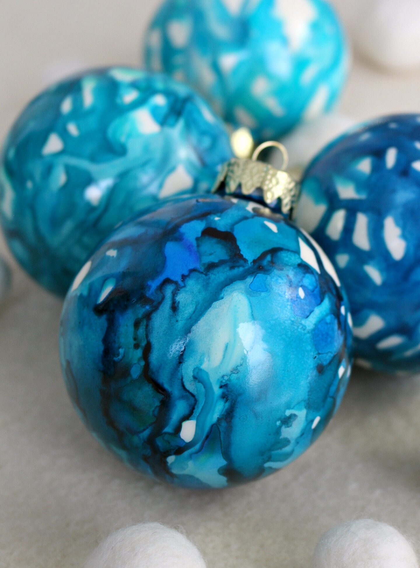 DIY Christmas Tree Ornament to Make with Kids