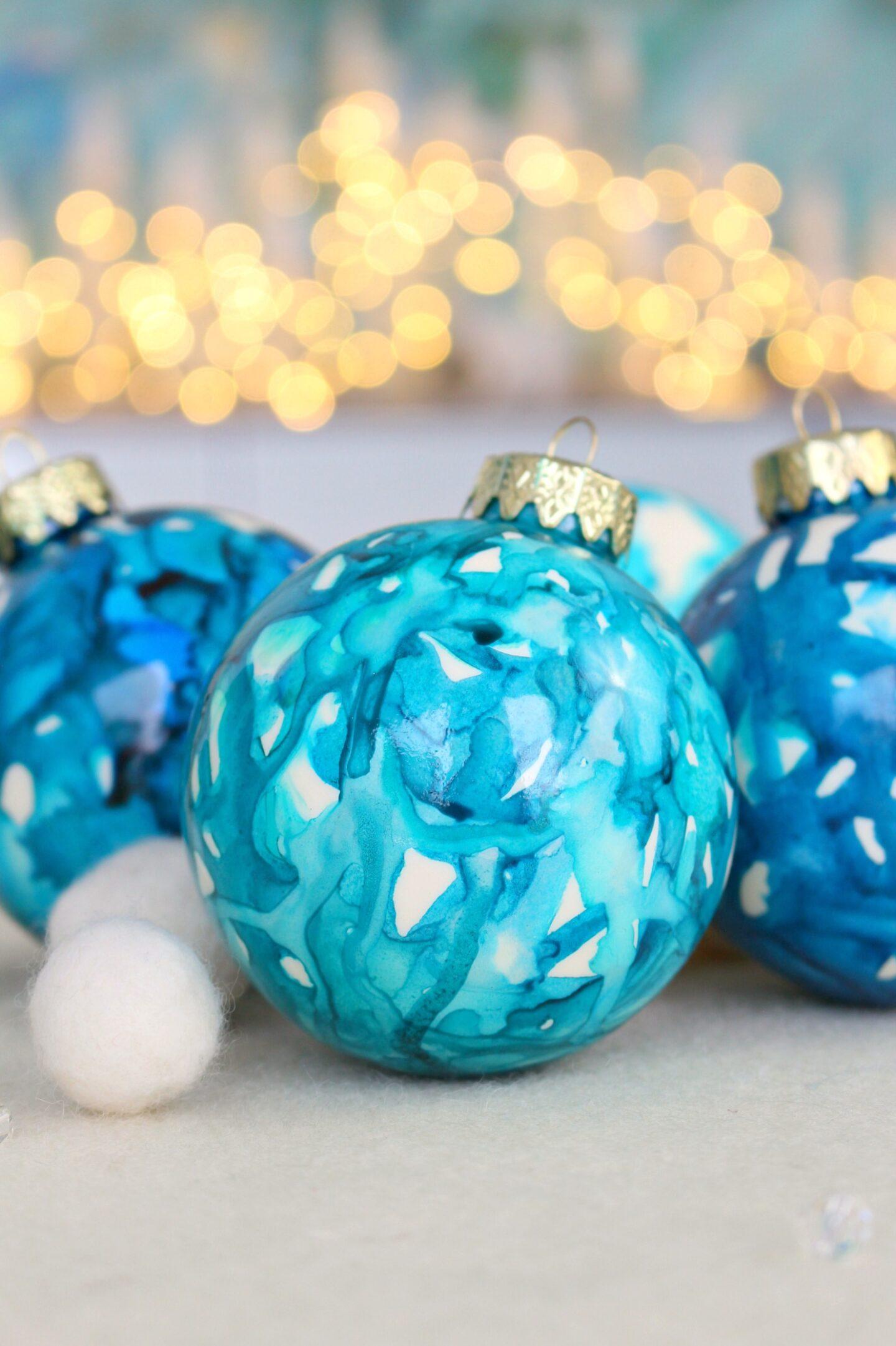 DIY Alcohol Ink Christmas Ornament Tutorial