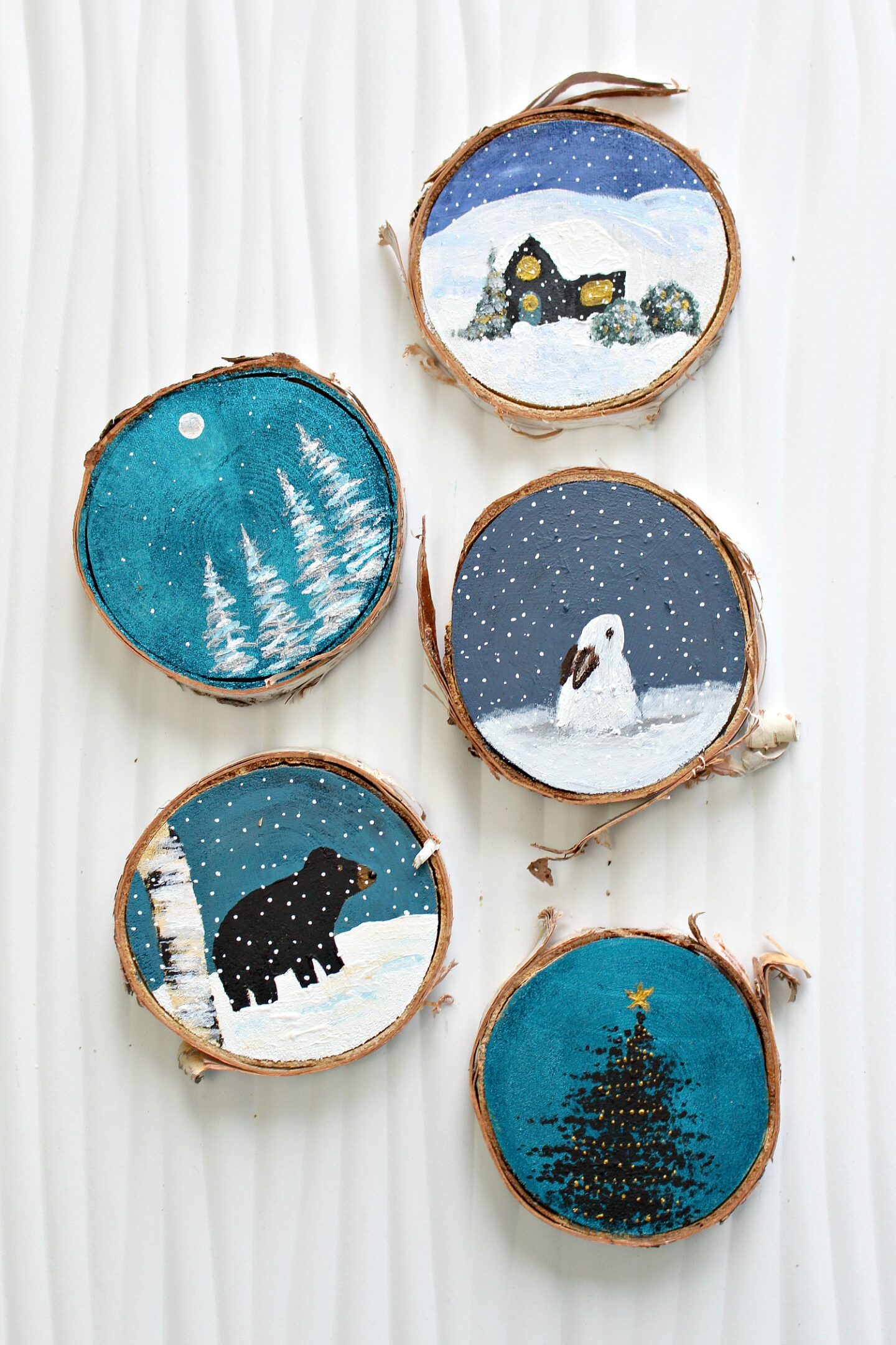 Ornements d'arbre de Noël sur le thème du bricolage
