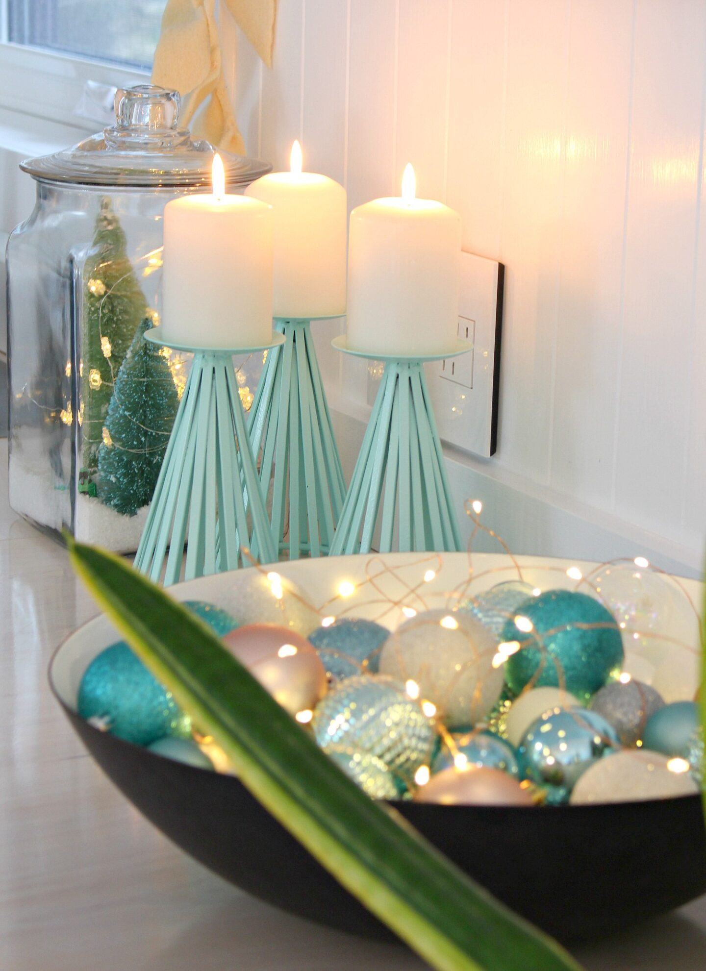 Minimalist Holiday Decor Ideas