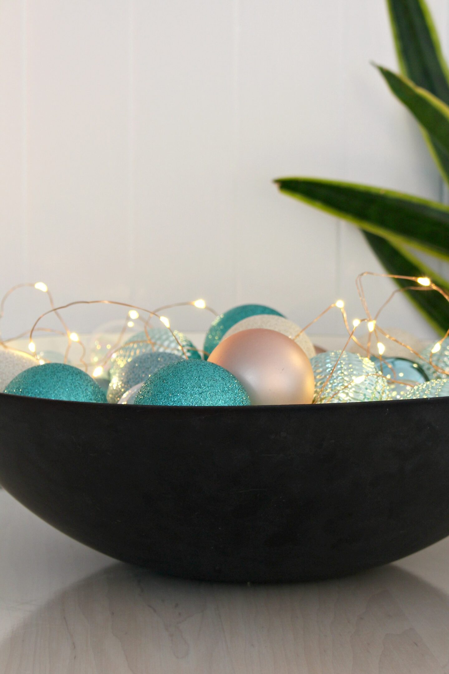 Krenit Bowl with Ornaments