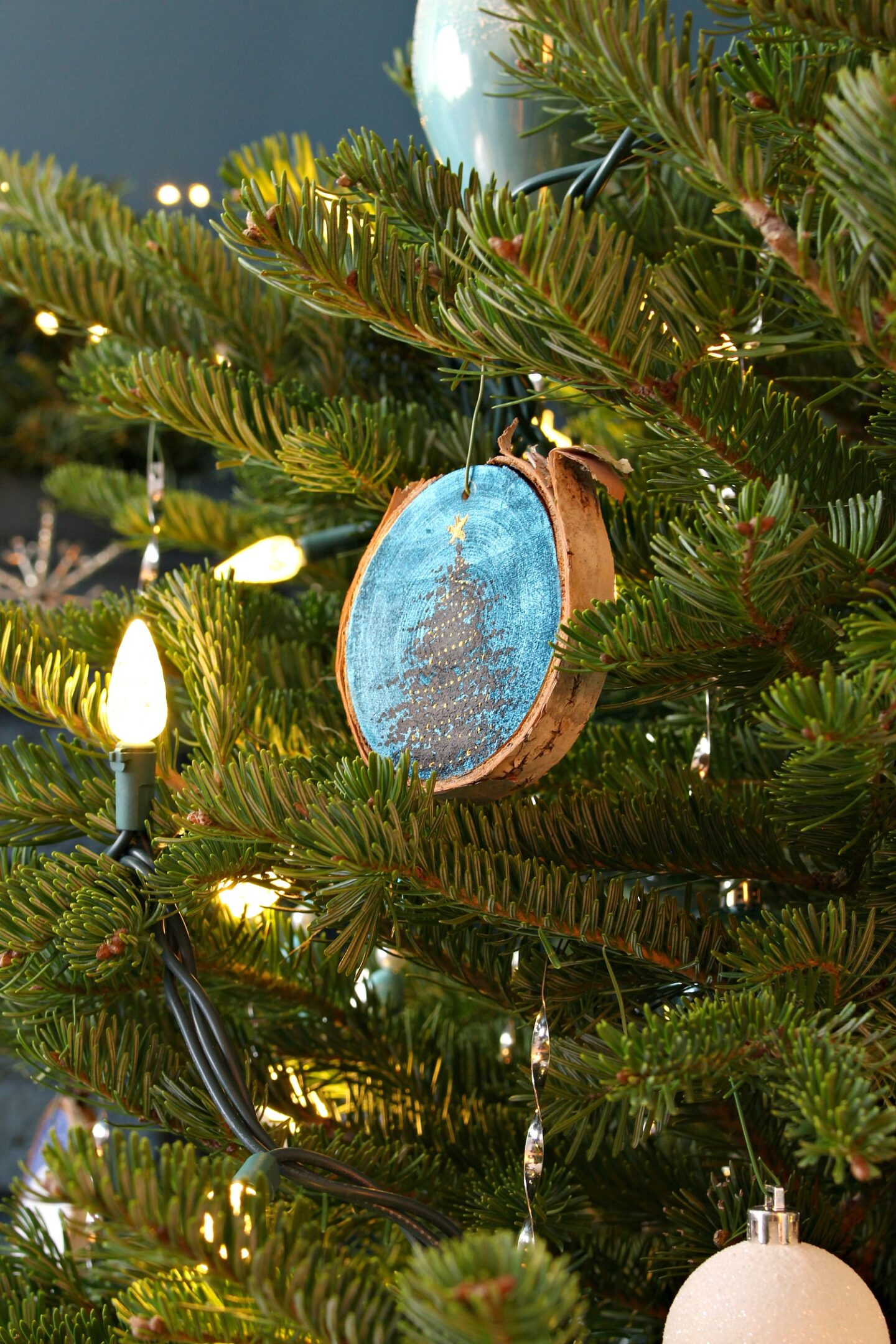DIY Slice Christmas Tree Ornament