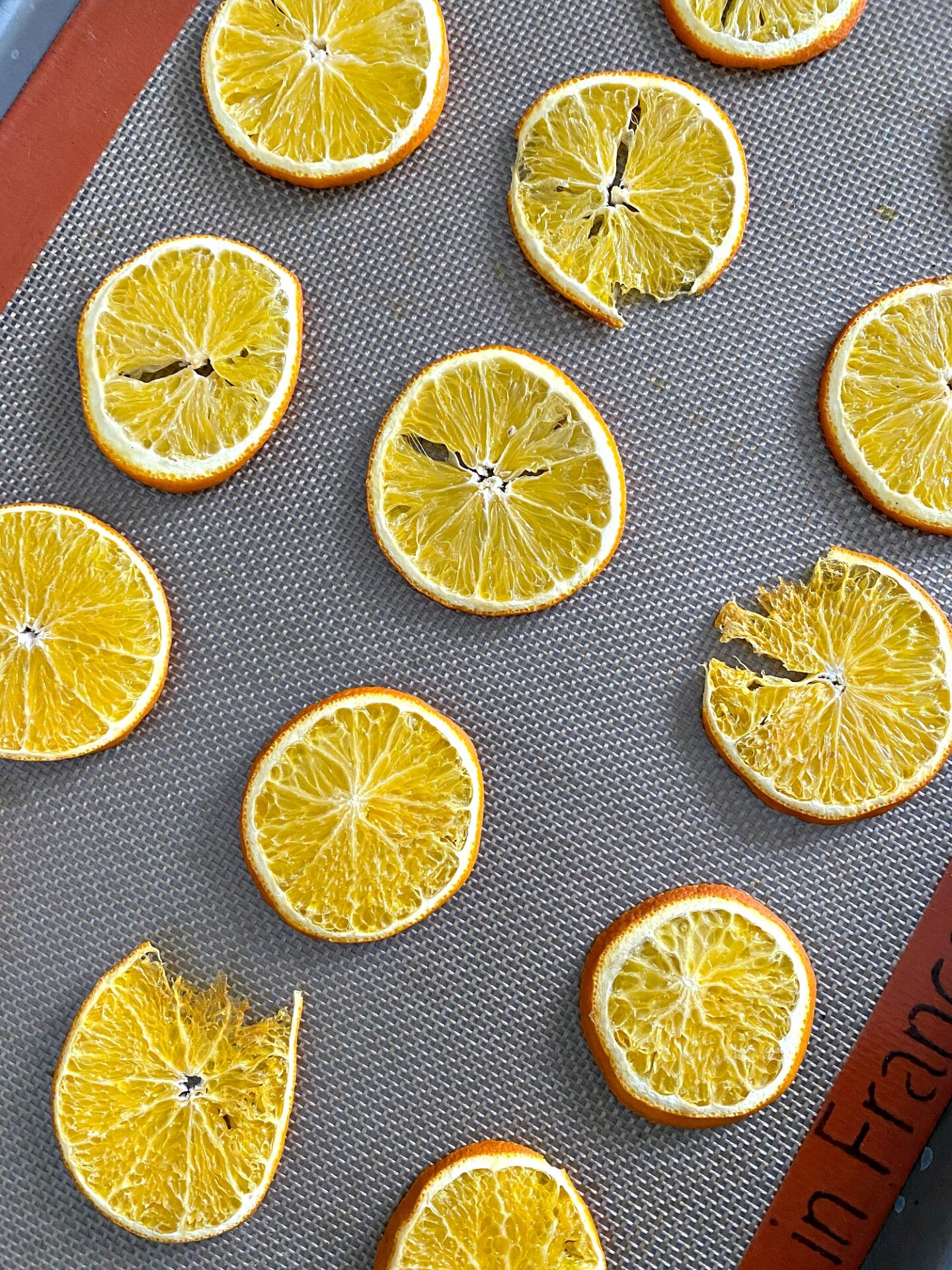How to Dry Orange Slices in the Oven