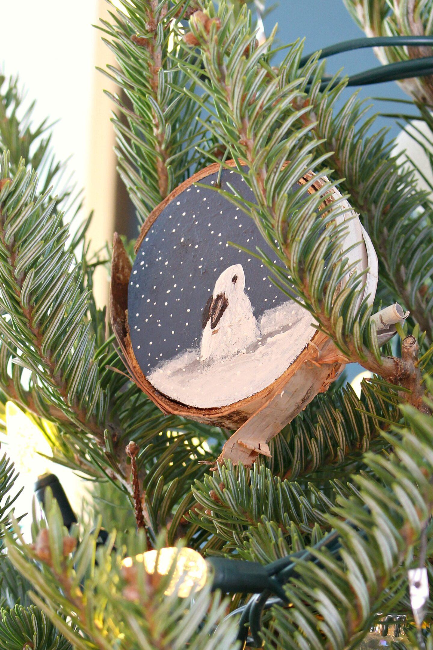 Ornement d'arbre sur le thème du lapin