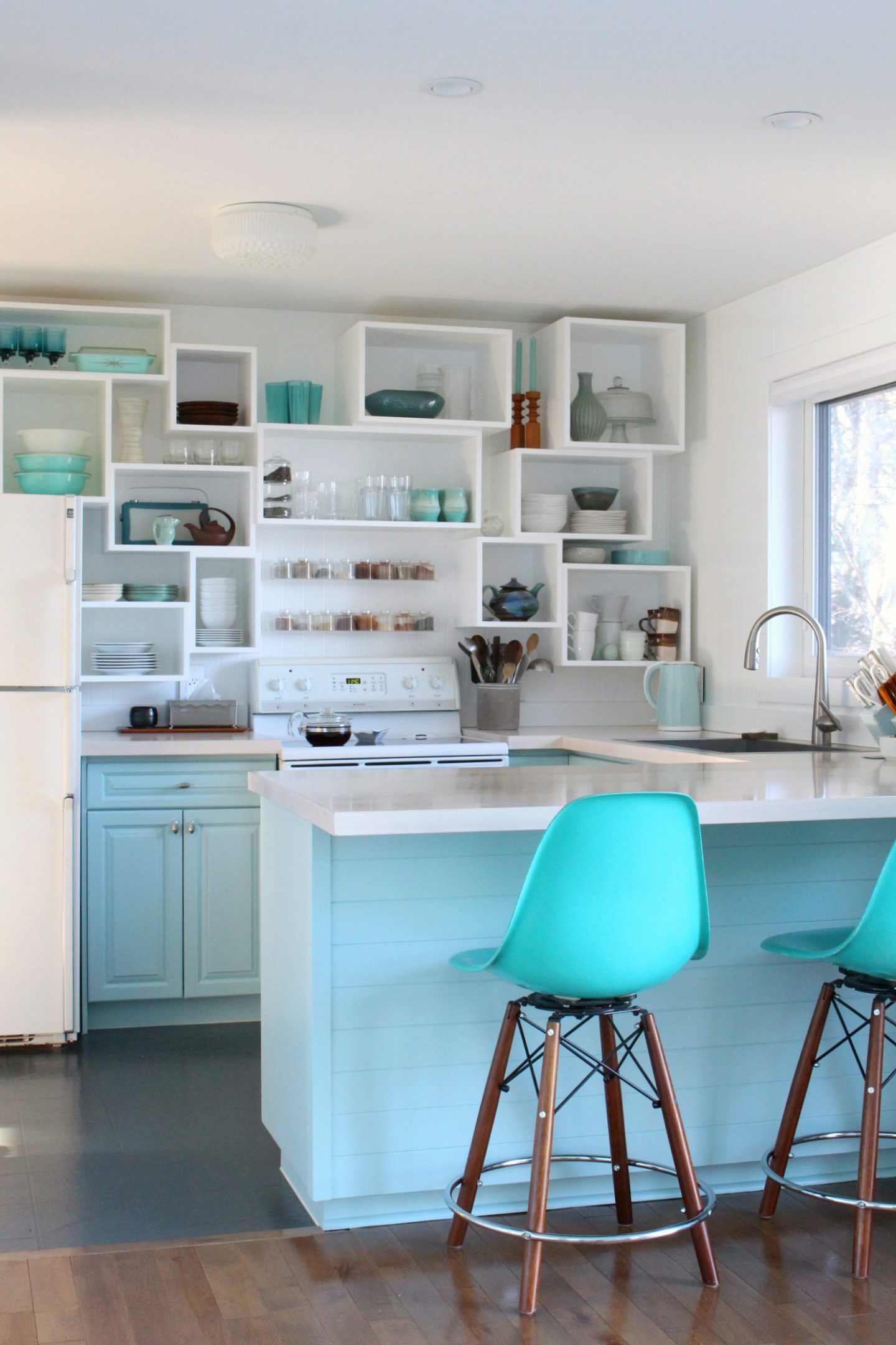 SW Watery Cabinet Color