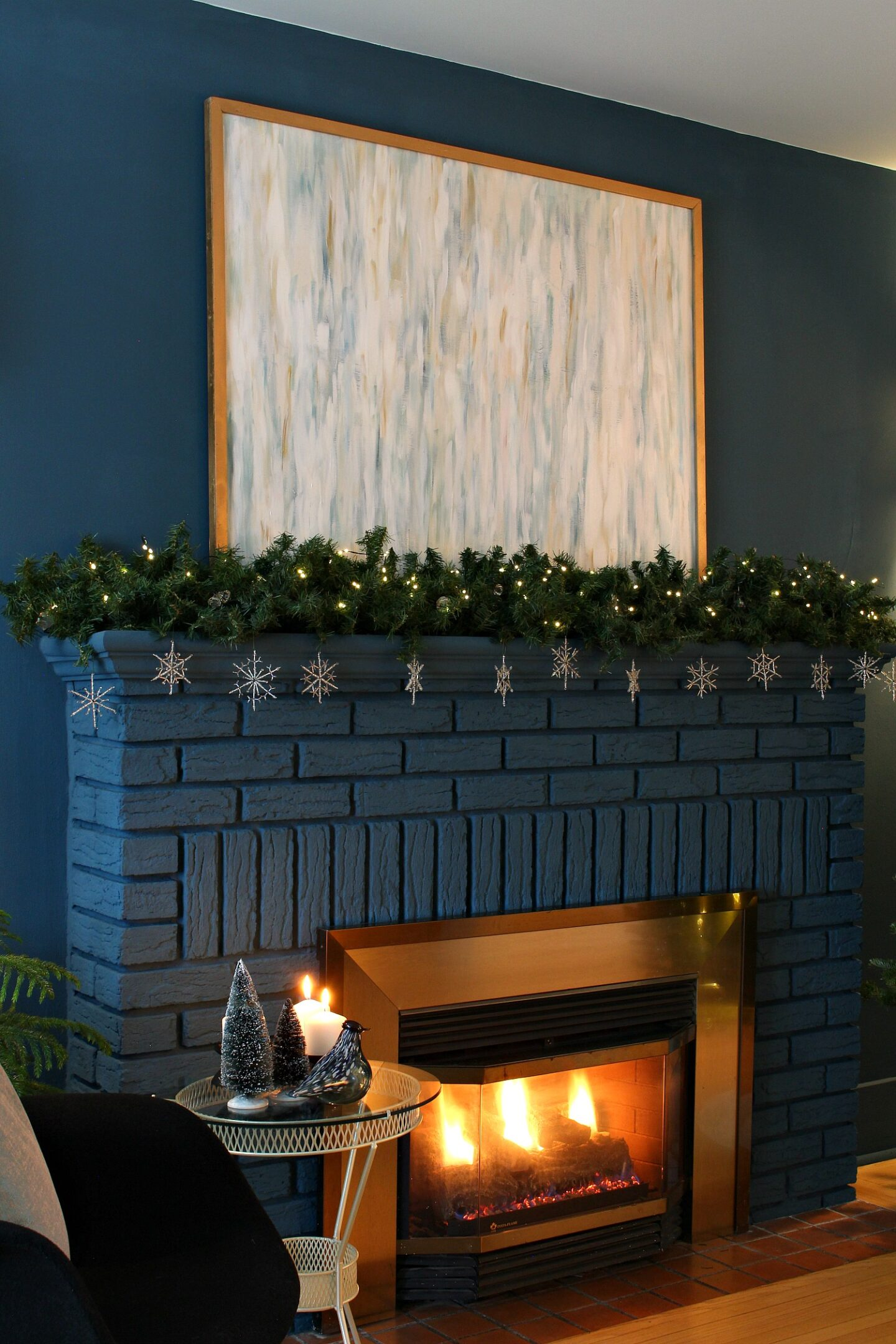 Wintry Mantel Decor That isn't Christmas Themed